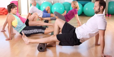Stabi-Training mit Massagerolle Blackroll