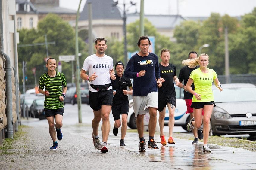 Zusammenhang zwischen Körpergröße und Schnelligkeit beim Laufen